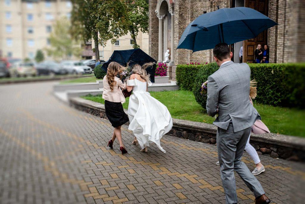 Ką daryti jeigu vestuvių dieną lis?